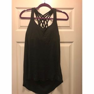 Lululemon 2-in-1 tank. Like new condition. Size 10